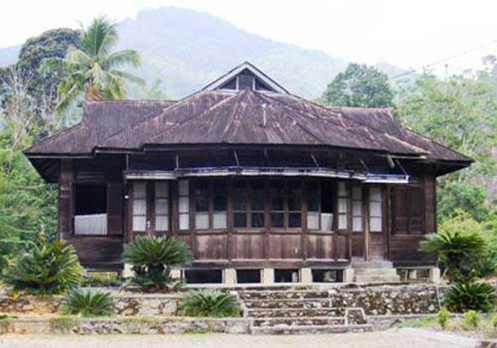 Bangunan Khas Mandailing Natal, Sumut - Bagas Godang dan Sopo Godang