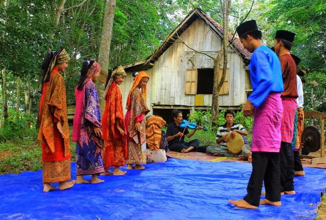 Tari Tradisional Jambi - Tari Tauh (Rantau Pandan)