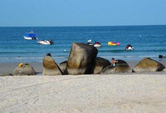 Pantai Lagoi, Objek Wisata Berkelas Dunia Di Bintan