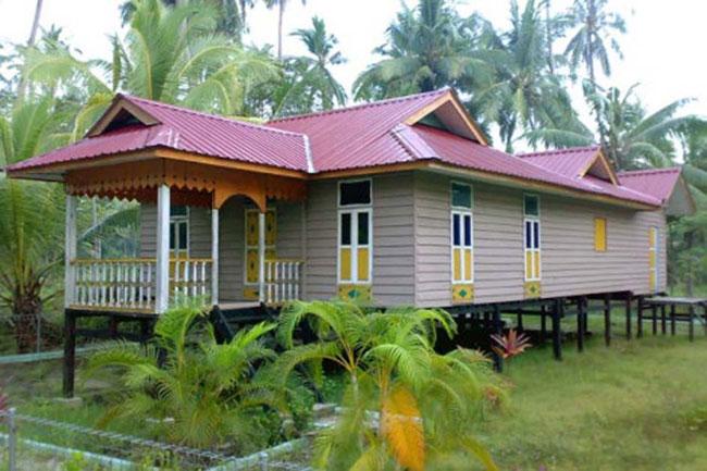 Rumah Belah Bubung, Rumah Adat Kepulauan Riau