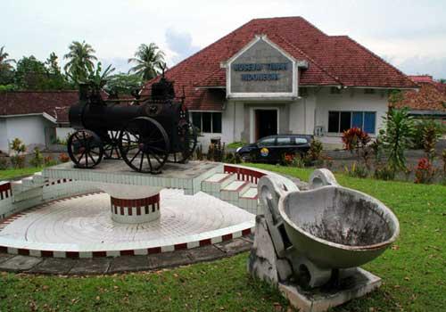 Museum Timah, Sejarah Pertimahan Indonesia