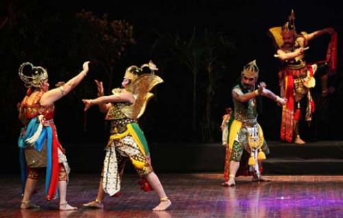 Mengenal Lebih dekat Wayang Orang di Indonesia