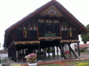 Bangunan Khas - Rumoh Aceh