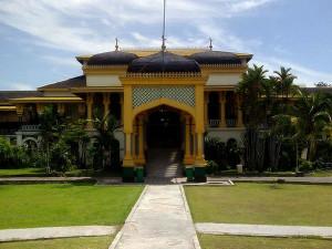 Istana Maimun, Wisata Sejarah Kebesaran Kesultanan Deli