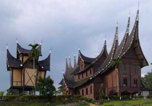 Situs Sejarah Sumatera Barat: Istano Basa Pagaruyung
