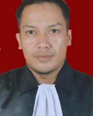 Uus Sutandi, SH, MH